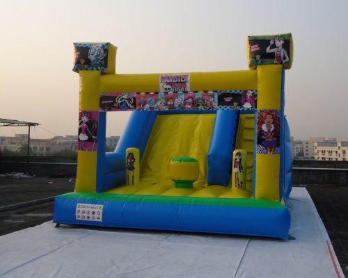 Castillo Hinchable Monster High 2