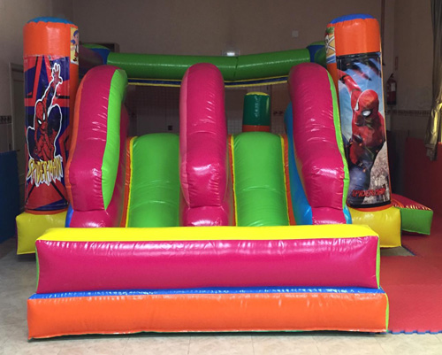 Castillo-hinchable-de-Alquiler-en-Madrid-Triple-Tobogan-Multicolor frontal Spiderman